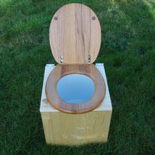 toilette-a-bois.jpg
