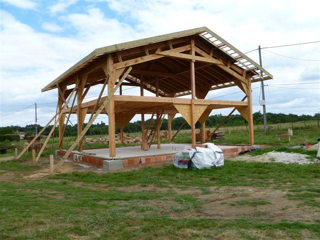 Senatuolo hangar bois bardage vertical plus bardage bois maison individuelle - Hangar maison ...